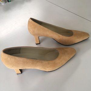Ladies Heeled Dress Shoes